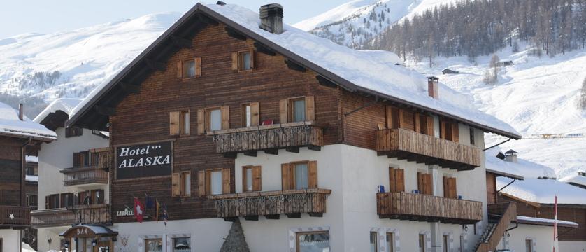 italy_livigno_hotel-alaska_exterior2.jpg
